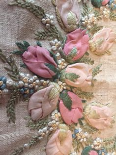 Wonderful Ribbon Embroidery Flowers by Hand Ideas. Enchanting Ribbon Embroidery Flowers by Hand Ideas. French Knot Embroidery, Ribbon Embroidery Tutorial, Silk Ribbon Embroidery, Hand Embroidery Designs, Japanese Embroidery, Flower Embroidery, Embroidered Flowers, Embroidery Tattoo, Ribbon Art