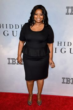 Octavia Spencer, Ashley Graham & More Hit The Red Carpet For ANTM And Hidden Figures Petite Fashion, Curvy Fashion, Plus Size Fashion, Girl Fashion, Style Fashion, Curvy Street Style, Curvy Style, Petite Style, Apple Shape Outfits