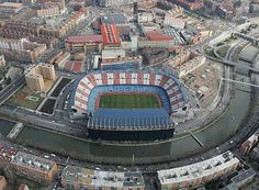Vicente Calderón – Would you build a stadium here