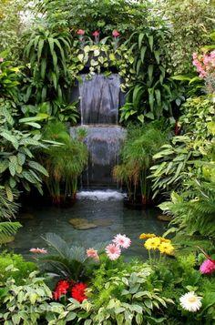 Cascade et  fontaine de jardin , 69 déco pour les moments de relaxe - jolie-cascade-jardin-verdure-