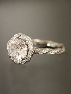 Beautiful Ring - reminds me of something my sister would wear :)