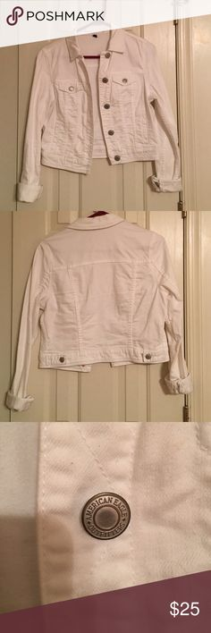American Eagle White Jean Jacket EUC; no flaws; only worn a few times; perfect for Spring/Summer over a maxi dress! American Eagle Outfitters Jackets & Coats Jean Jackets