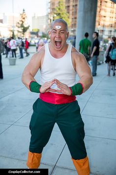 Tien Shinhan from Dragon Ball cosplay. Curated by Suburban Fandom, NYC Tri-State Fan Events: http://yonkersfun.com/category/fandom/