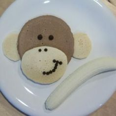 Monkey pancakes and other cute food art ideas! Banana Breakfast, Breakfast Pancakes, Breakfast For Kids, Pancakes Kids, Banana Pancakes, School Breakfast, Birthday Breakfast, Birthday Brunch, Cute Snacks