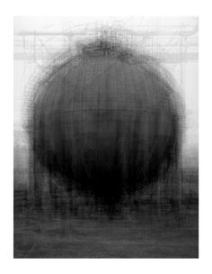 Idris Khan – Every...Bernd And Hilla Becher Spherical Type Gasholders – 2004 – Técnica: multiexposición – 208 x 160 cm – © Copyrigh