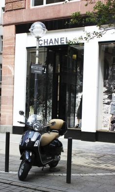 1000 images about maison store on pinterest louis for Chanel milano boutique