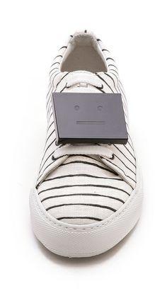 Acne Studios Acne Studios, Chaussures Sandales, Formateurs, Coups De Pied 9e6bc50b626