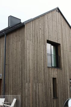 Talo vantaalla Scandinavian Architecture, Modern Architecture, Build Your Own House, Timber Cladding, Beautiful Buildings, Facades, Minimalism, Cottage, Exterior
