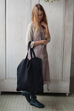 Made of dense natural linen, Martha tote bag will be the best week-end friend to carry all the freshness of gardens and orchards around. Takes so little space and yet can fit so much! ☂ SIZING 45 x 55 cm/ 17.7x 21.6 ☂ DELIVERY Your order will be beautifully wrapped and sent within 3-5