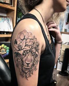 "229 Likes, 8 Comments - Jota Ufos TattooStudio (@jota_ufos) on Instagram: ""Leão da Mariana....#jota #jotattoo #ufostattoo #blackandgrey #tattoosp #tattoo #tatuagem #tatuaje…"""