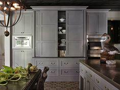 Fabulous: dark grey kitchen cabinets, always considering gray Kitchen Cabinets Sliding Doors, Dark Grey Kitchen Cabinets, Diy Kitchen Cabinets, Grey Kitchens, Painting Kitchen Cabinets, Kitchen Cabinet Design, Kitchen Paint, Kitchen Interior, New Kitchen
