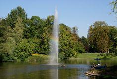 Wiesbaden, Kurpark, Weiher mit Springbrunnen-Fontäne (spa park, pond)