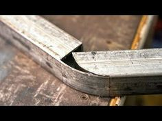 How to bend a box bar to / at 90 Degree angle Welding Tips, Welding Table, Welding Art, Metal Projects, Welding Projects, Metal Crafts, Metal Shop, Metal Bar, Custom Metal Fabrication