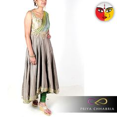 The fifth day of Navratri, we worship goddess Skandmata on this day. Devotees wear grey today which represents neutrality towards all, a calming colour it is worn in worship to the goddess.   Make your feet free today, checkout our all new grey collection today.    ‪#‎priyachhabria‬ ‪#‎green‬ ‪#‎saree‬ ‪#‎indianwear‬ ‪#‎navratri‬ ‪#‎indianfestival‬ ‪#‎asianfashion‬ ‪#‎indianfa