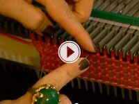 Having trouble getting started with your Ultimate Sweater Machine?    Knitting expert Vickie Howell has some tips to help!