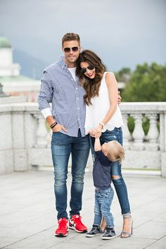 Give him a timeless gift this fathers day that he will cherish forever! Couple Outfits, Boy Outfits, Casual Outfits, Mom Dad Baby, Mom And Dad, Couple Photography Poses, Family Photography, Dad Outfit, Classy Couple