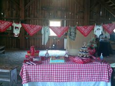 western baby shower theme but red and white chevron! Bandana Baby Shower, Cowboy Baby Shower, Cowgirl Baby, Baby Shower Fun, Baby Shower Parties, Baby Shower Themes, Baby Shower Gifts, Shower Ideas, Baby Showers