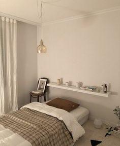 Room Design Bedroom, Small Room Bedroom, Room Ideas Bedroom, Home Room Design, Small Bedroom Inspiration, Minimalist Room, Aesthetic Room Decor, Cozy Room, Apartment Interior