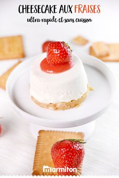 Strawberry heart cheesecake with strawberries , We love this super easy recipe of strawberry cheesecake, without cooking! Strawberry Hearts, Strawberry Cheesecake, Cheesecakes, Food Photo, Deserts, Easy Meals, Food And Drink, Snacks, Fruit