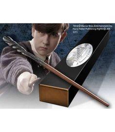La magia de Harry Potter llega a tus manos con esta réplica a tamaño real de la varita de Neville Longbottom. Una pieza de coleccionista única con la que los amantes de esta mágica saga van a revivir las aventuras de Harry Potter.