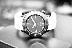 Sinn UBlack limited edition 399 - photo by hcollantes Smart Watch, Watches, Smartwatch, Wristwatches, Clocks