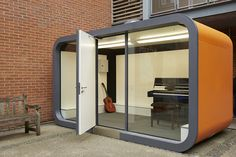 Office Pods - Work From Home Without Distraction Outdoor Office, Backyard Office, Backyard Studio, Garden Office, Outdoor Rooms, Container Design, Office Interior Design, Office Interiors, Office Pods
