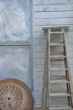 Zetas plantshop Old Ladder, Rustic Ladder, Ladder Display, Ladder Decor, Earthy, Ladders, Crafts, Decor Ideas, Interiors