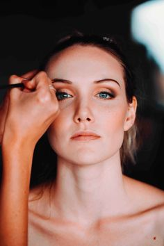 Natural make up look for your simple and elegant wedding day. Natural Makeup Looks, Natural Make Up, Elegant Wedding, Wedding Day, Cape Town, South Africa, Wedding Photography, Simple, Cara Makeup Natural