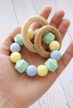 Phthalates /& PVC Natural Timber Wood /& Silicone Timber and Bead Little Rawr Beads Teether Set Rattle Teether Free from Non Toxic BPA Perfect Teething Toys for Babies /& Toddlers