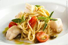 D Olivino Restaurante (almoço)    Tagliolini ao molho de peixe com tomate fresco, alcaparra, pimenta calabresa e manjericão