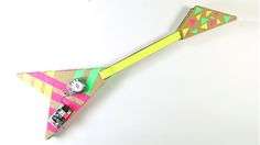 Mae a Cardboard Guitar with Micro:bit