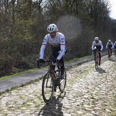 Paris-Roubaix: Last reconnaissance for Cancellara - Gallery - Sunny skies for pre-race ride