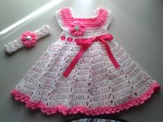 No matter how cunningly you are good with your crochet sticks, you can't be a good one unless you are not good in exploiting the colors and various innovations. And this quality is best demonstrated in this cute crochet baby frock and headband.