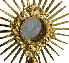 Custodia en metal dorado con rayos y Cruz / A monstrance, also known as ostensorium, is the vessel used in churches to display the consecrated Eucharistic host, during #Eucharistic adoration or Benediction of the #BlessedSacrament. (1/3). http://www.articulosreligiososbrabander.es/custodia-del-santisiomo-en-metal-dorado-con-rayos-y-cruz.html #Corpus #CorpusChristi #Procesion