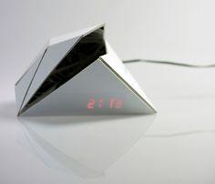 digital clock by shiping toohey