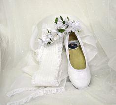 Zapatos y tocado de niña para la comunión