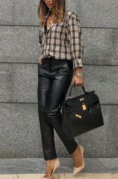 Moda Casual Chique Feminina For 2019 Classy Outfits, Chic Outfits, Fashion Outfits, Work Fashion, Trendy Fashion, Fashion Trends, Fashion Ideas, 50 Fashion, Fashion Styles