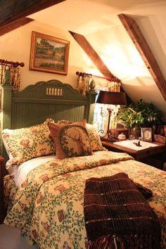Log cabin bedroom decor girls getaway weekend in cashiers cozy cottage bedroom and cottage style log . Cottage Style Bedrooms, Style Cottage, Cottage Interiors, Cozy Cottage, Cottage Homes, Cozy House, Cozy Cabin, Country Cottage Bedroom, Country Bedroom Design