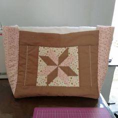 Minha bolsa para transportar a máquina de costura, em andamento