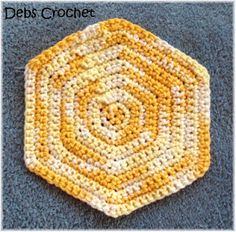 Debs Crochet: Hexagon Dishcloth / Washcloth Free Crochet Pattern. Long ago I used this pattern and made placemats.