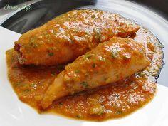 calamares-rellenos-con-salsa-de-almendras Chicken Salad Recipes, Fish Recipes, Seafood Recipes, Vegan Recipes, Cooking Recipes, Tapas, Good Food, Yummy Food, Yummy Yummy