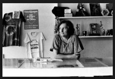 Laurence Vergès - Laurence Vergès a marqué plusieurs décennies de l'histoire réunionnaise. Femme engagée, en osmose avec son époque, connectée avec la réalité réunionnaise, internationaliste...