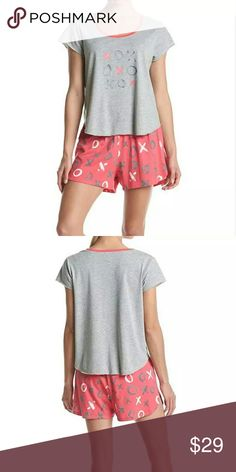 """NWT HUE """"XOXO"""" Tee And Boxer Pajama Set XL NWT HUE """"XOXO"""" Tee And Boxer Pajama Set XL  PRODUCT DETAILS When it comes to an amazing night's sleep, you're always a winner in this """"XOXO"""" tee and boxer set from HUE. Cotton / polyester Two-piece set Tee: Scoop neck, short sleeves, graphic front Boxers: Elastic waistband, allover print Imported  MSRP  $50 HUE Intimates & Sleepwear Pajamas"""