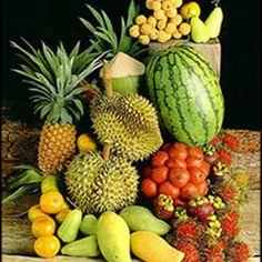 Tropical_Fruit.   Piña, guanabana, mango, fresas, lulo, nispero, granadilla, zapote, corozo, maracuyá , son a penas unas cuantas frutas tipicas en Colombia.