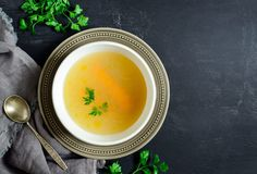 Bone broth may look humble, but it's a superhero in disguise! Here are ten benefits of bone broth and why this superfood should be part of your daily diet. Homemade Vegetable Broth, Fertility Foods, Natural Fertility, Nutrition, Bone Broth, Chicken Soup, Thai Chicken, Chicken Legs, Roast Chicken