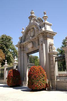 Puerta de Felipe IV. El Retiro park, Madrid, Spain