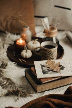 Cozy Aesthetic, Autumn Aesthetic, Brown Aesthetic, Autumn Photography, Still Life Photography, Book Photography, Product Photography, Autumn Coffee, Autumn Cozy