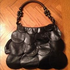 I just discovered this while shopping on Poshmark: Black purse REDUCED_/_ REDUCED. Check it out!  Size: OS