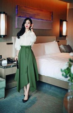 How To Dress Expensive Outfits Clothes 28 Ideas - Classy Outfits Korean Fashion Work, Look Fashion, Fashion Models, Classy Fashion, Trendy Fashion, Fashion Women, Modest Fashion, Women's Fashion Dresses, Dress Outfits