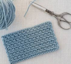 I love this tutorial about how to crochet the linen stitch!